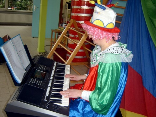 Carnaval  in onze school sv400130-medium.jpg