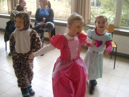 Carnaval  in onze school sv400140-medium.jpg
